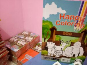 buku happy colloring