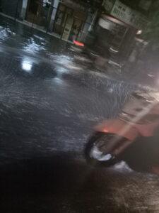Genangan air di jalan aria putra
